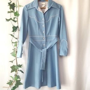 Vintage dress coat with flower buttons sz M